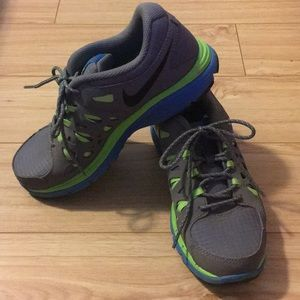 Nike Shoes - Nike Dual Fusion Run 2 - Size 4.5 Youth